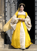 laire Foy as Anne Boleyn on the steps of Gloucester Cathedral (Wolf Hall)