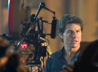 "Tom Cruise on set of ""The Mummy"""